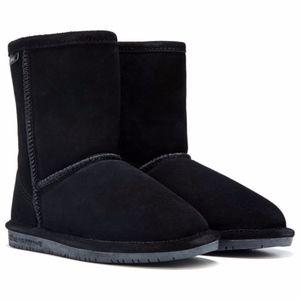 Bearpaw Emma Short Black Suede Boots Size 6